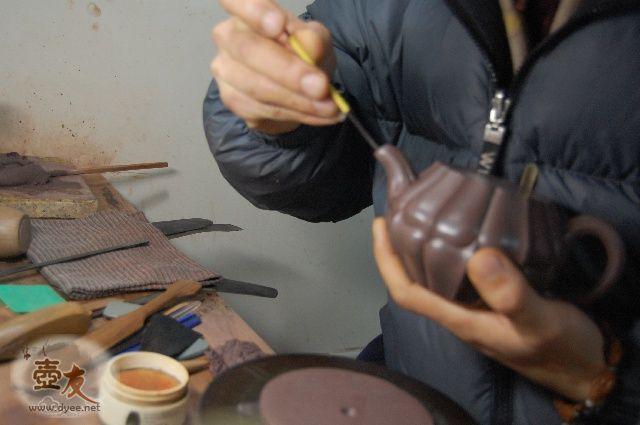 紫砂合菱壶纯手工制作过程内容中的图片8244